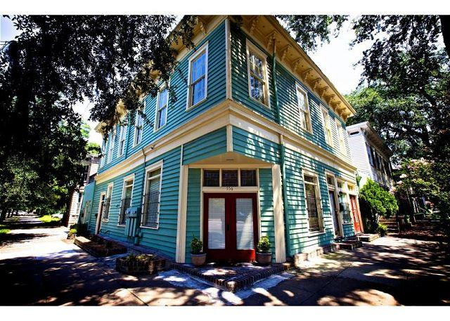 Large pet-friendly home on Liberty Street, perfect for a family! - Image 1 - Savannah - rentals