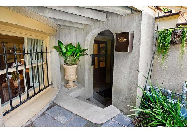 One bedroom on charming Gaston Street - Image 1 - Savannah - rentals