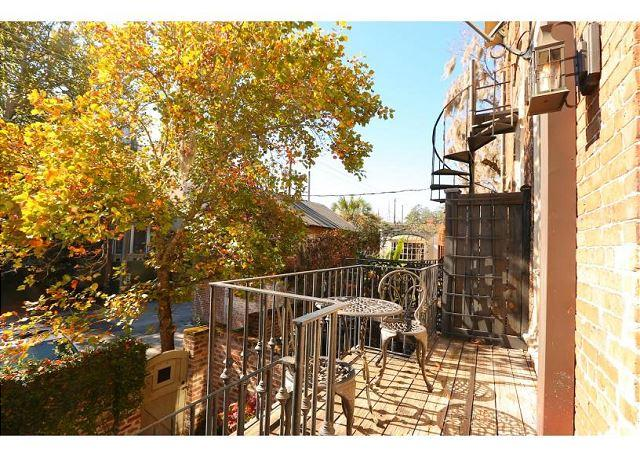 Experience history in this beautiful row home - Image 1 - Savannah - rentals