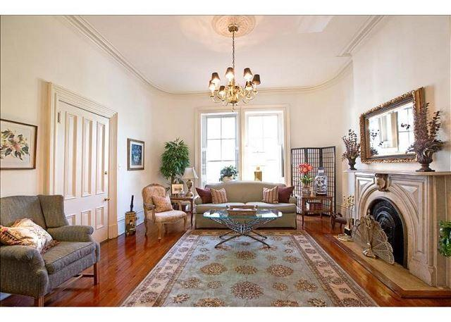 Welcome to Wilkes Pied-a-terre! - Home above Mrs. Wilkes restaurant with a King bed - Savannah - rentals