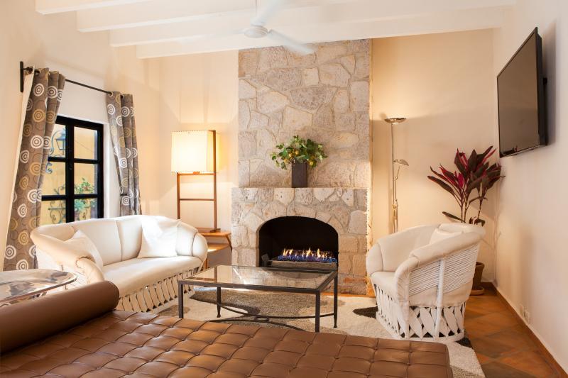 Living Room - Casa Sollano - Great Location in Historic Centro - San Miguel de Allende - rentals