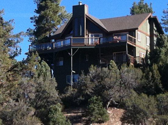 Back of the cabin - Morningstar Lodge - 4 Bedroom Vacation Rental in Big Bear Lake - Big Bear Lake - rentals