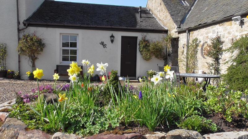 Front door - MidKinleith Farm Garden Cottage - Edinburgh - rentals