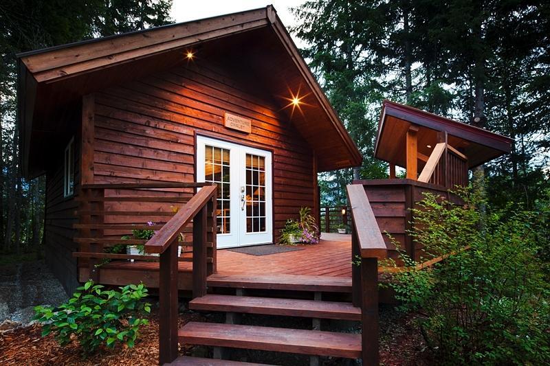 Adventure Chalet - The Cedar House Restaurant & Chalets - Golden - rentals