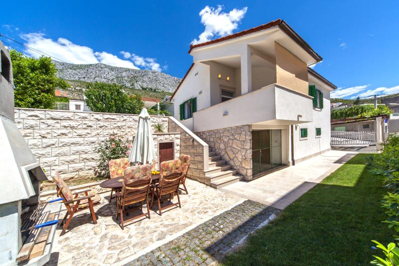 Front view, outdoor furniture, Villa Zivana, Dugi Rat, Split Riviera - Villa Zivana with pool - Split Riviera - Dugi Rat - rentals