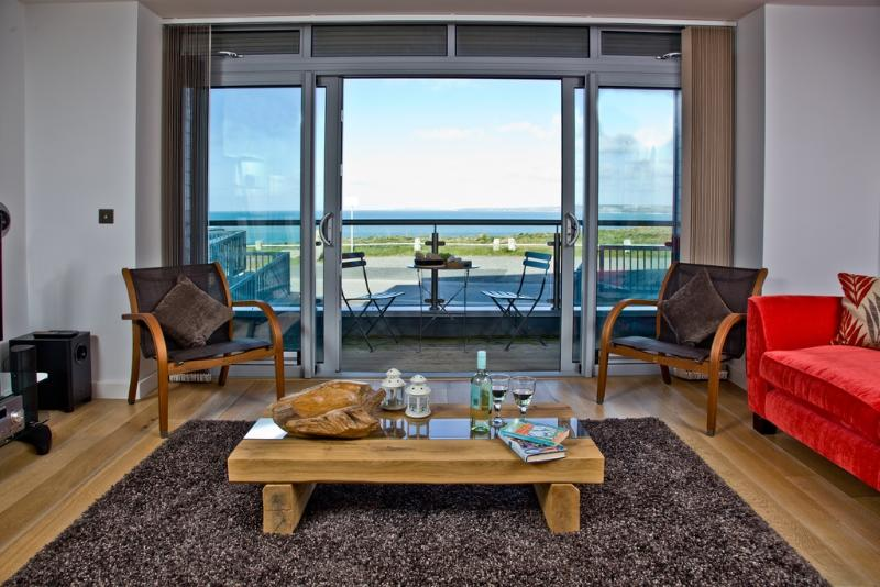 Six Cribbar located in Newquay, Cornwall - Image 1 - Newquay - rentals