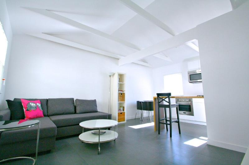 Modern, Open Living Space & Kitchen Area - Modern 1 Bedroom Apartment 10 Mins from the Beach! - Los Angeles - rentals