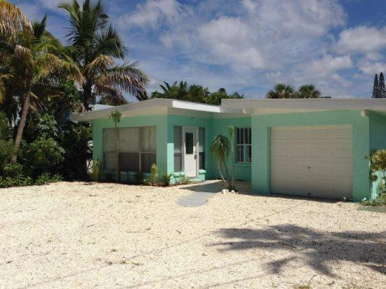 The Triton House- 5617 Gulf Drive, Holmes Beach - Image 1 - Holmes Beach - rentals