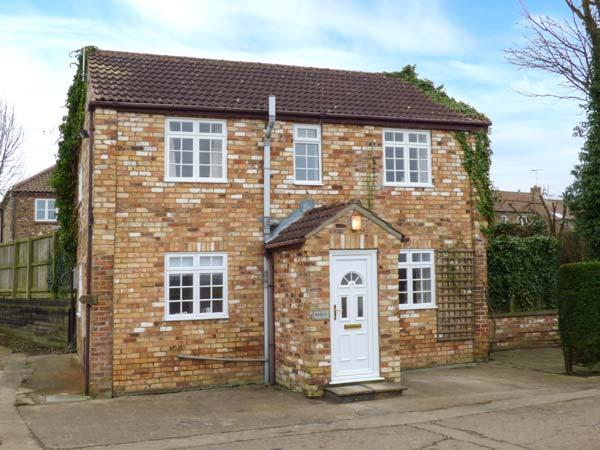 WOODLEA, shared courtyard, pet-friendly, WiFi, in Pocklington, Ref 30531 - Image 1 - Pocklington - rentals