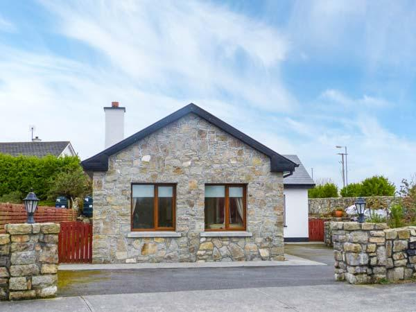 LABASHEEDA, detached, all ground floor, easy access to Galway, in Carraroe, Ref 921585 - Image 1 - Carraroe - rentals