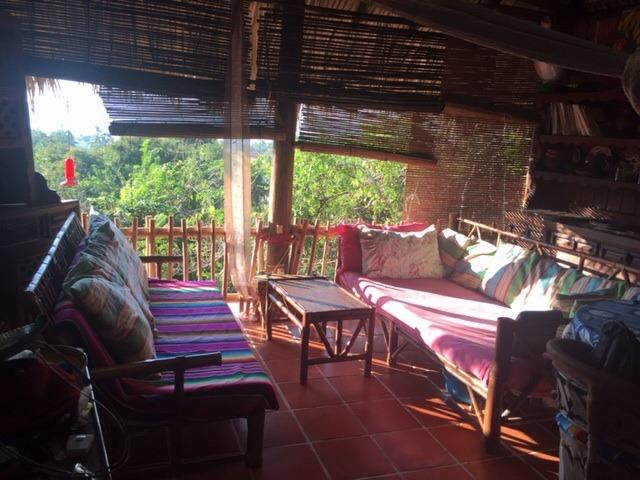 livingroom - Bambutreehouse - Zihuatanejo - rentals