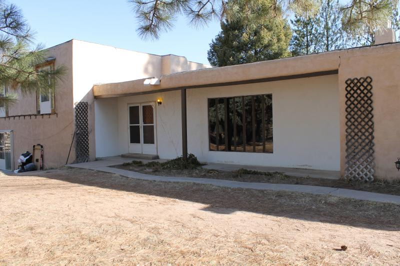 front of home - THE HIDEAWAY - Tesuque - rentals