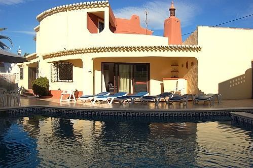 4 bedroom villa with pool, Carvoeiro. - Image 1 - Carvoeiro - rentals