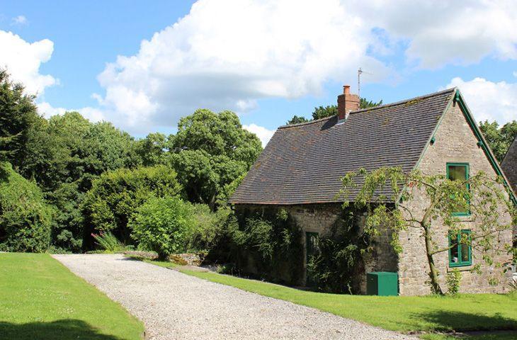 Dovedale Lodge - Image 1 - Swinscoe - rentals