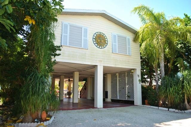 157 Ojibway Ave - 28 NIGHT MINIMUM - Image 1 - Islamorada - rentals