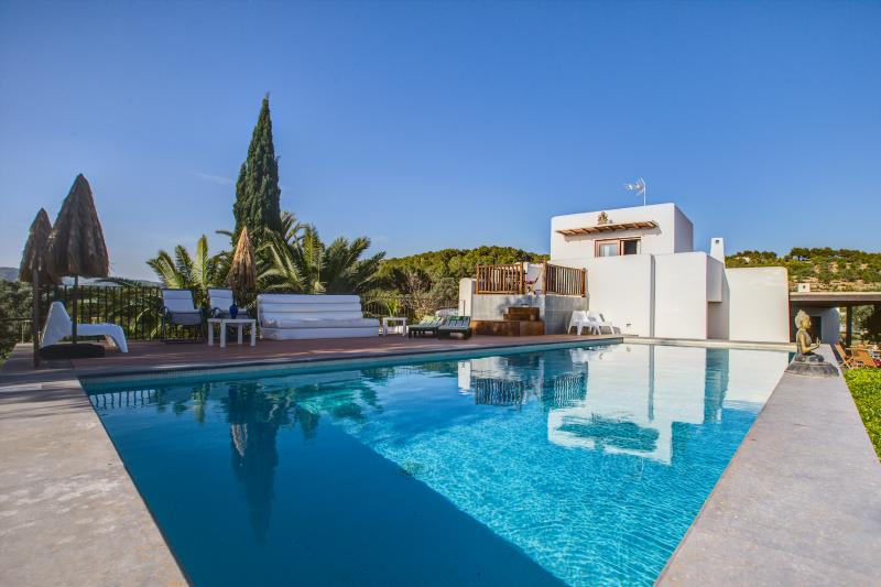 The pool area. - Can Skye Bohemian Chic Sea view and Swimminpool - Sant Carles de Peralta - rentals