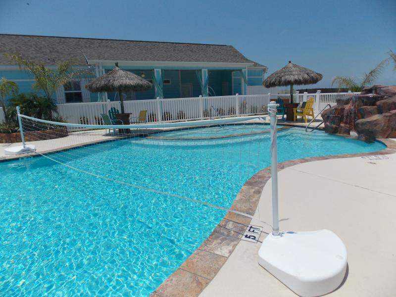 Roxy's Hideout at Pirates Bay - Image 1 - Port Aransas - rentals