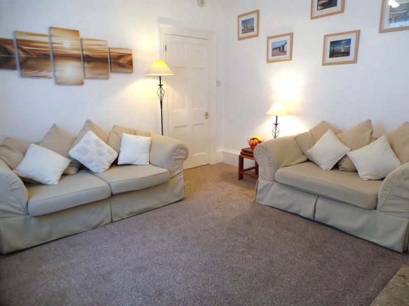 Lounge - SUNNYDECK. Close to beach, town & estuary. Parking - Exmouth - rentals