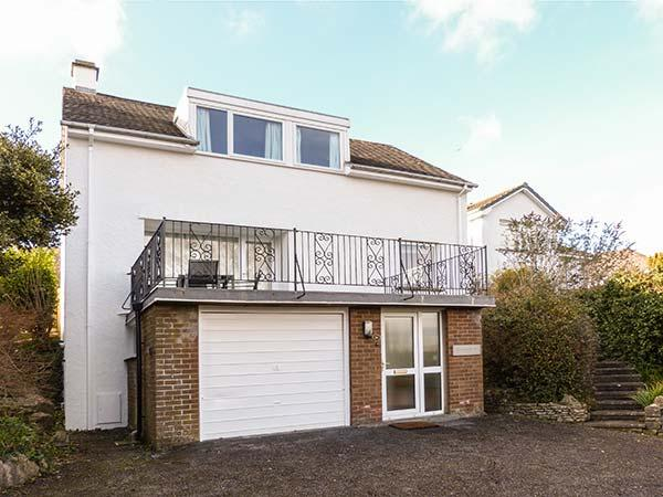 ROCKVILLE, detached, super king-size bed, en-suite, sun terrace, pet-friendly, near Grange-over-Sands, Ref 920948 - Image 1 - Grange-over-Sands - rentals