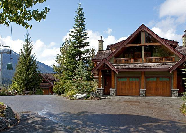 Exterior View of Property - Cedar Hollow #12 | 3 Bedroom + Den Ski-in/Ski-out Townhome, Private Hot Tub - Whistler - rentals