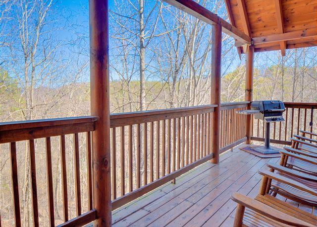 Summer from $199!!! 3-Level, 4 Bedroom Luxury Cabin. Sleeps 13. - Image 1 - Pigeon Forge - rentals
