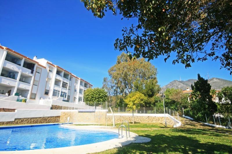 2 bed apartment, Jardines de Carvajal - 1723 - Image 1 - Fuengirola - rentals