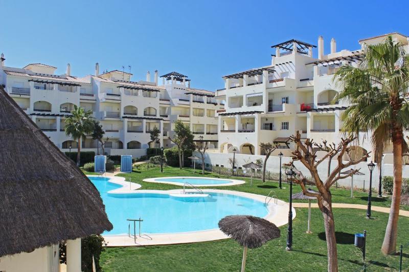 2 bed apartment, Arenal Duquesa, Manilva - 1724 - Image 1 - Puerto de la Duquesa - rentals