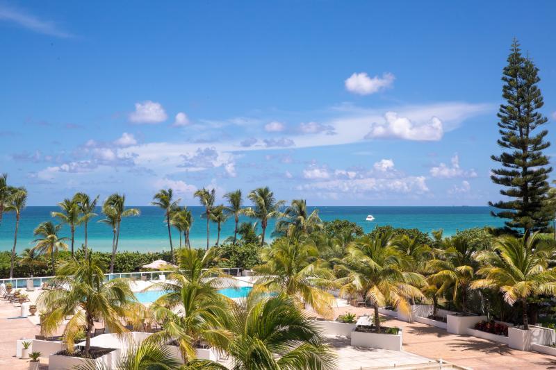CONTEMPORARY 2BR/2BA JUNIOR SUITE FOR 6 GUESTS, BEACHFRONT BUILDING, MIAMI BEACH - Image 1 - Miami Beach - rentals