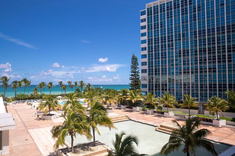 MODERN 2BR/2BA MASTER SUITE FOR 7 GUESTS, OCEANFRONT BUILDING IN MIAMI BEACH - Image 1 - Miami Beach - rentals