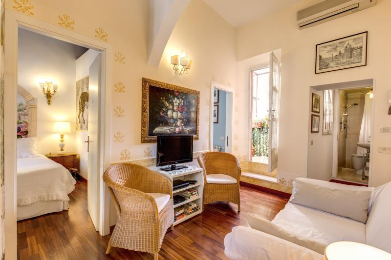 CENTRAL COLISEUM COZY  CLEANFAMILY  APT WIFI/ CELL - Image 1 - Rome - rentals