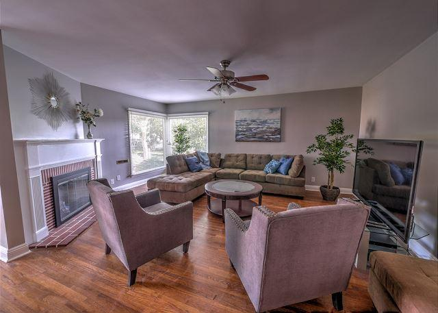 3b/2bth, Beautiful Tree Lined Street! - Image 1 - Burbank - rentals