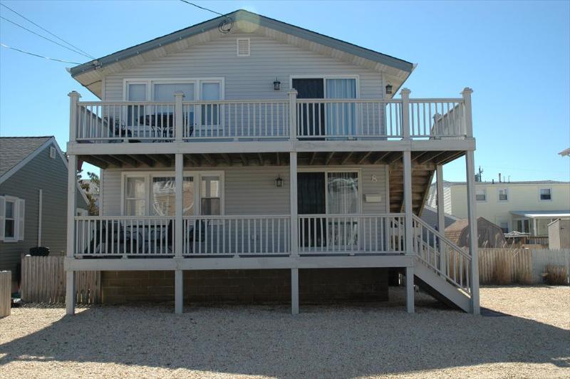 3 bdr 2 bath each floor duplex - 2519-Bowlby 40774 - Ship Bottom - rentals