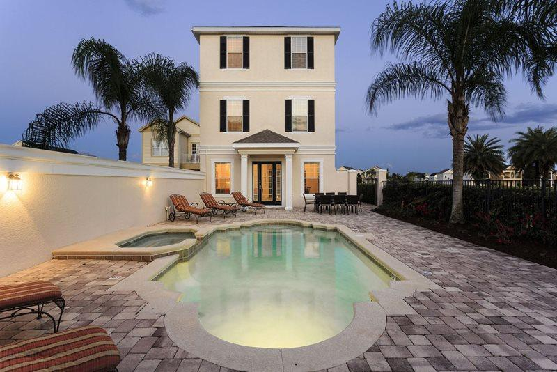Elegant Paradise | 3,648 sq. ft of Luxury in Liberty Bluff Area of Reunion, featuring a Theater Room & Games Room with Pool Table & Foosball - Image 1 - Kissimmee - rentals