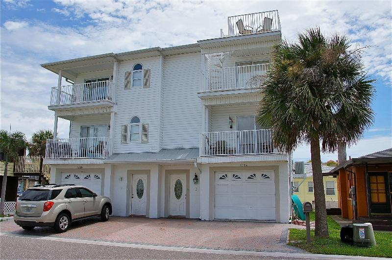 our beachy townhome is right side with roof top deck - BEACHSIDE 2BR TOWNHOME***STEPS to BEACH**PETS OK - Redington Shores - rentals