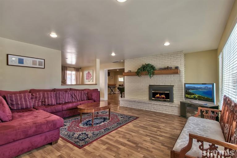 Entrance View to Living room - Ranch Style Home with Spa in Tahoe - South Lake Tahoe - rentals