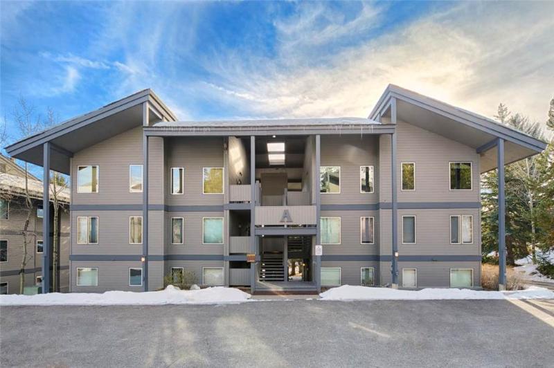 2.5bd/2ba Rendezvous A 6 - Image 1 - Teton Village - rentals
