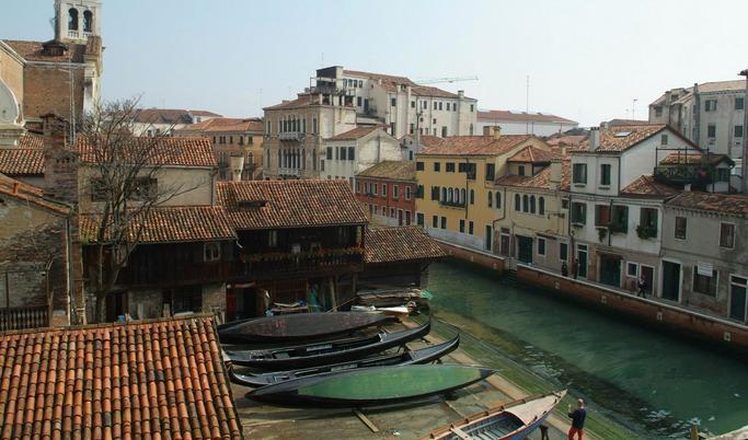 Gondola View | Rent Villas in Italy - Image 1 - Venice - rentals
