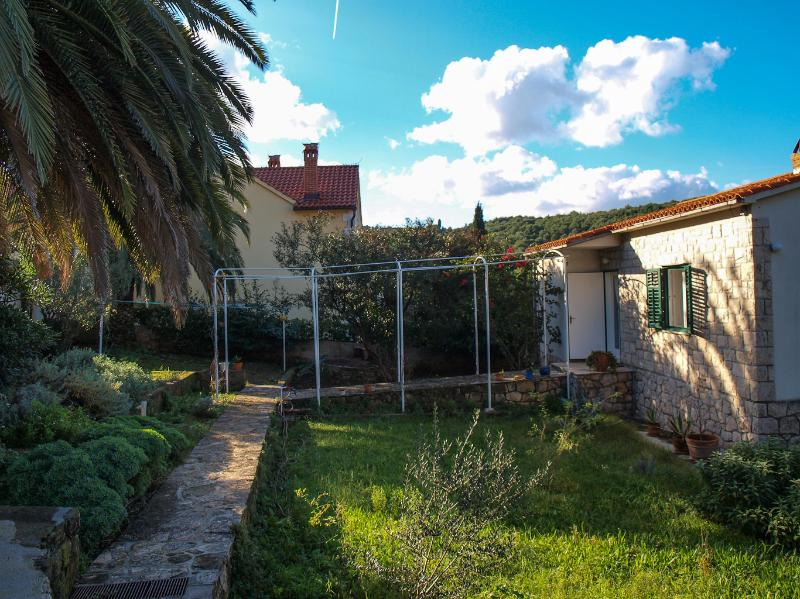 house - 5817  H(4+1) - Postira - Postira - rentals