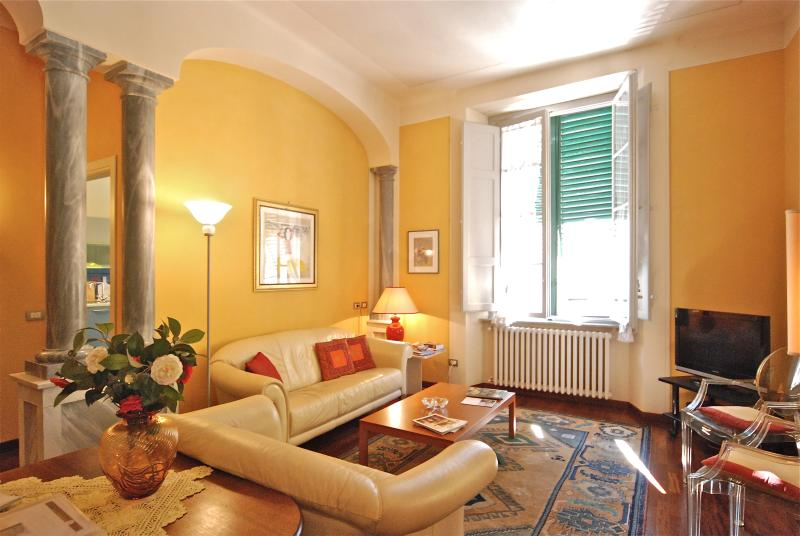 Lucca, Sant'Alessandro - The LivingRoom - Lucca, S.Alessandro - 2 Bedr 2Bath - WiFi - AirCo - Lucca - rentals