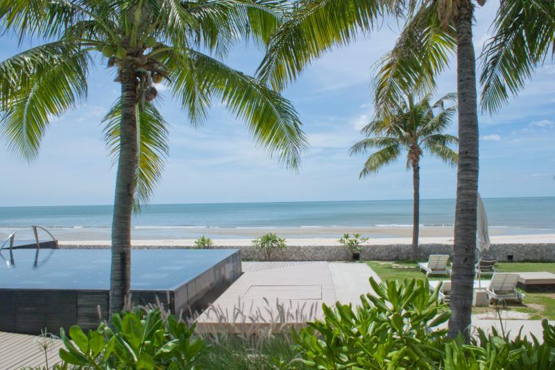 Stunning Luxury Beach Front Villa in Hua Hin - Image 1 - Hua Hin - rentals