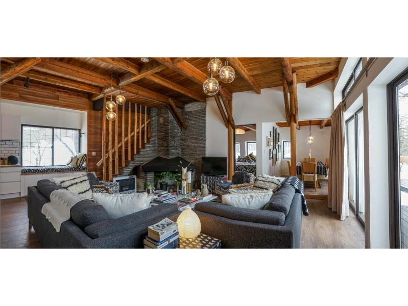 Large, bright living room (first floor) - Hakuba Huset - Luxury self-contained accommodation - Hakuba-mura - rentals