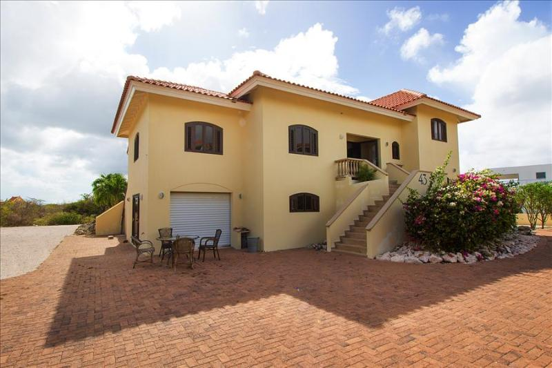 Gorgeous villa Grosso (near beautiful beaches) - luxury for up to 8 people - Image 1 - Willibrordus - rentals