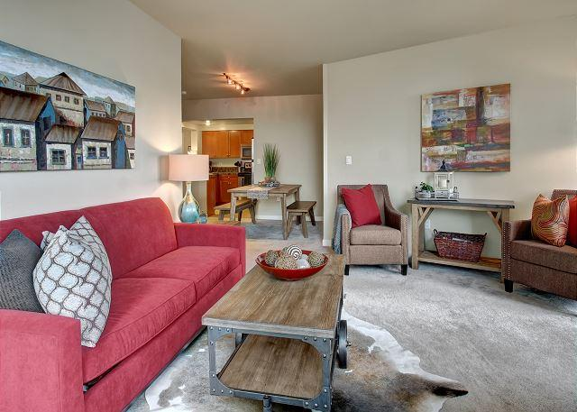 Modern City Living in this Stylish Midtown Apartment, Steps from Pike Place! - Image 1 - Seattle - rentals