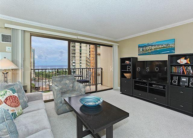 Ocean view high floor 1-bedroom, AC, WiFi, parking, washer/dryer and washlet! - Image 1 - Honolulu - rentals