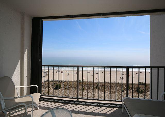 Station One-5B Mountjoy-Oceanfront condo with community pool, tennis, beach - Image 1 - Wrightsville Beach - rentals