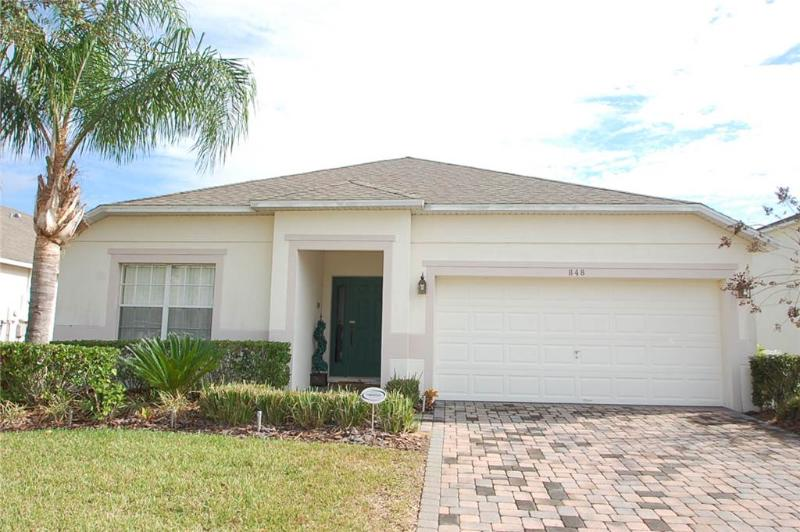 Charming 4BR w/ patio area and pool - 848KD - Image 1 - Davenport - rentals