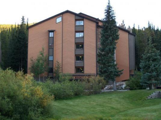 Copper Mountain Colorado vacation rental lodging, condos and homes now available at http//gondolaresorts.com at discount prices. - Copper_CoppMtnInn_CM217H - Copper Mountain - rentals