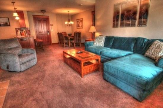 Copper Mountain Colorado vacation rental lodging, condos and homes now available at http//gondolaresorts.com at discount prices. - Copper_MillClub_MC309 - Copper Mountain - rentals