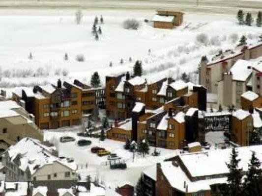 Copper Mountain Colorado vacation rental lodging, condos and homes now available at http//gondolaresorts.com at discount prices. - Copper_Copp_Mtn_Inn_CM112H - Copper Mountain - rentals