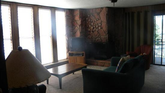 A great location in the heart of Summit County Colorado - A208 Lake Cliffe Condos - Silverthorne - rentals